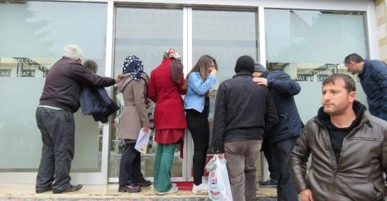 Konya'da YGS'ye geciken öğrenciler, gözyaşı döktü