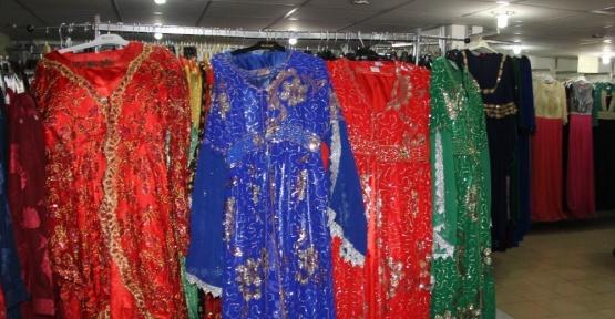 Yöresel kıyafetler askıda kaldı