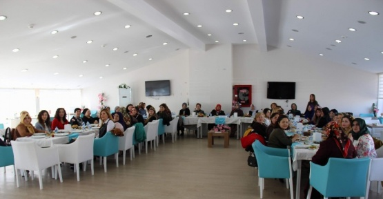 Yozgat'ta kadınlar kahvaltıda buluştu