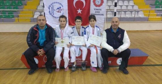 Yunusemreli judocular Ünye'den başarıyla döndü