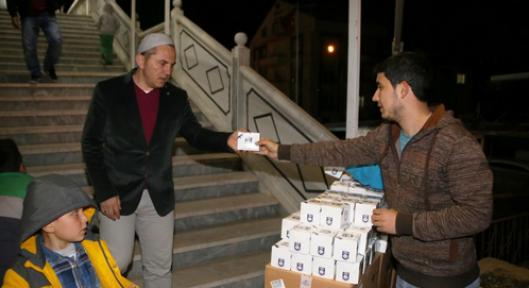 Karaman Belediyesi Kandil simidi ikram etti