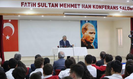 Başkan Çelik, öğrencilere önemli mesajlar verdi
