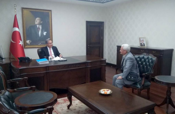 Karaman'da Vali Süleyman Tapsız, vatandaşları dinledi