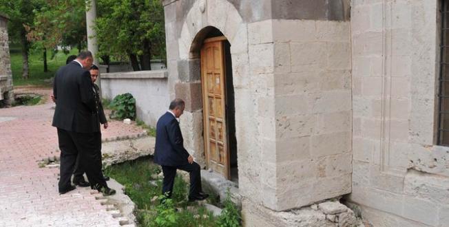 Karaman Valisi Tapsız, Karaman Kalesini Gezdi