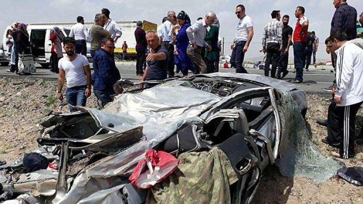 Kayseri'den kaza haberi : 3 ölü, 1 yaralı