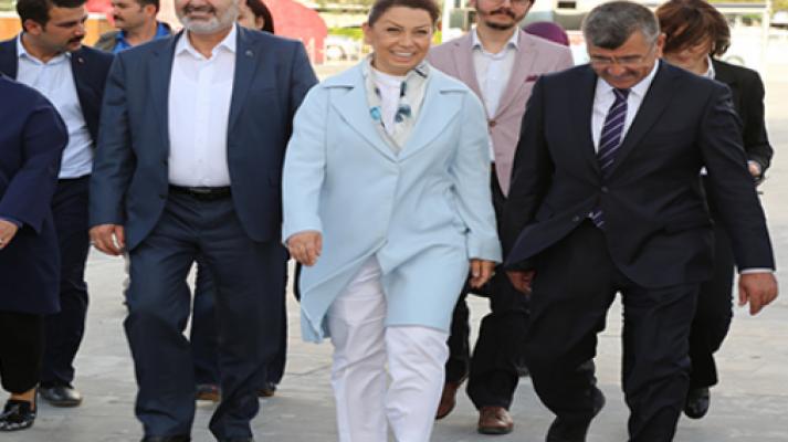 Akdoğan'ı makamında ziyaret etti