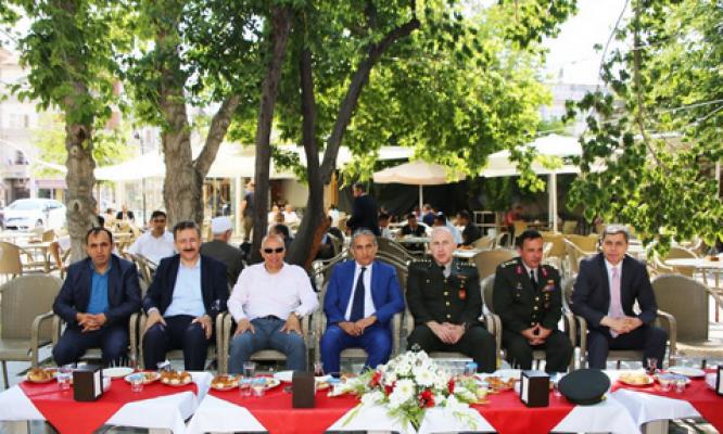 Karaman'da Başkan Çalışkan, valiliğin düzenlediği bayramlaşmaya katıldı