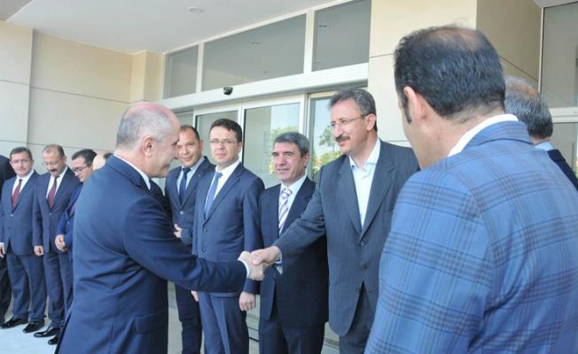 Karaman Valisi Fahri Meral Göreve Başladı
