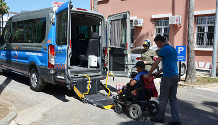 Engelli ve engelli yakınlarından tam puan aldı