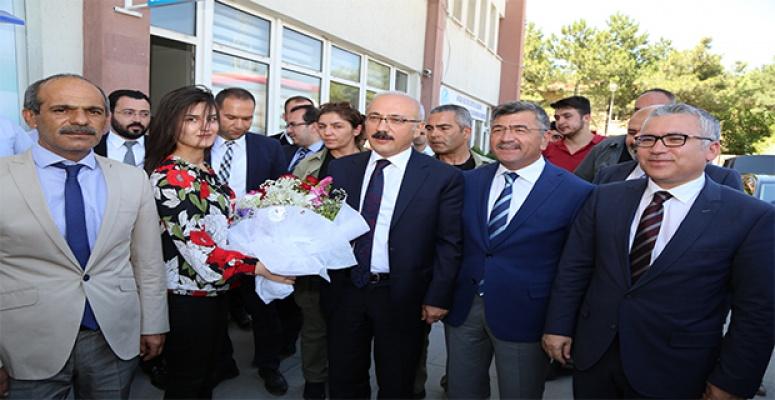 Niğde'de Belediye Başkanı Faruk Akdoğan'ı ziyaret etti