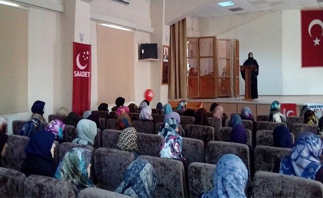 Saadetli Kadınlar Erbakanı Anlama Programı Düzenledi.