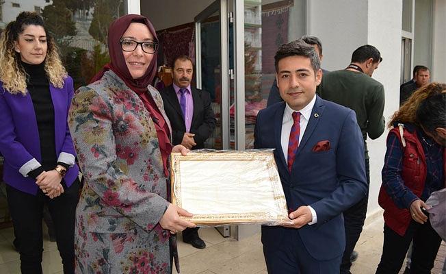 Sayın Valimiz Fahri Meral'in eşi Zehra Meral Hanımefendi İlçemizi Ziyaret Etti.