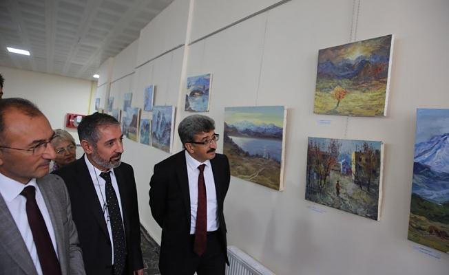 Kazakistan'dan Türkiye'ye Resim Sergisi'ne Büyük İlgi