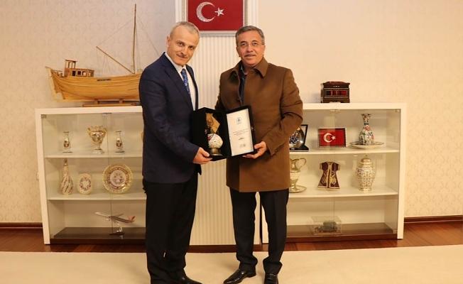 Pursaklar Belediye Başkanı Selçuk ÇETİN'den Vali DİRİM'e Ziyaret