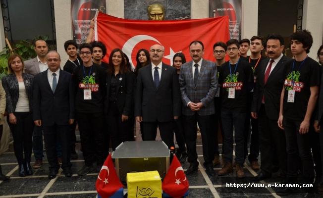 Türkiye'yi Temsil Edecek Aydınlı Öğrenciler Vali Köşger'den Tam Not Aldı