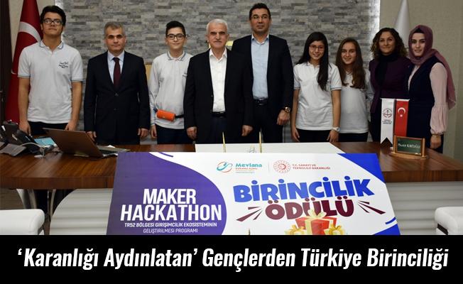 'Karanlığı Aydınlatan' Gençlerden Türkiye Birinciliği