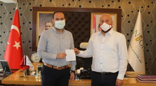 Özdemir'den KIZILAY'a Kurban Bağışı