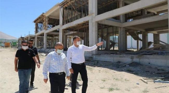 Başkan Özdemir, Devam Eden Projeleri Yerinde İnceledi