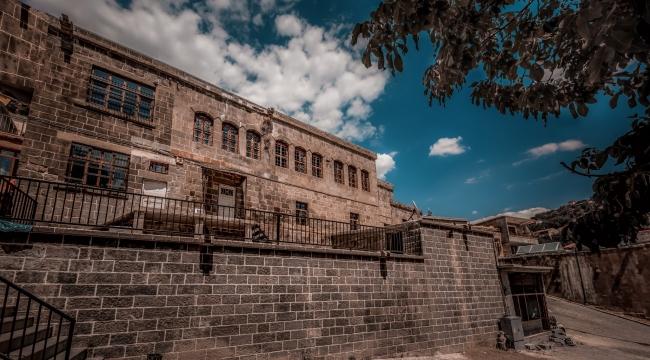 Bitlis'te tarihi evler sokak sağlıklaştırması ile turizme kazandırılıyor