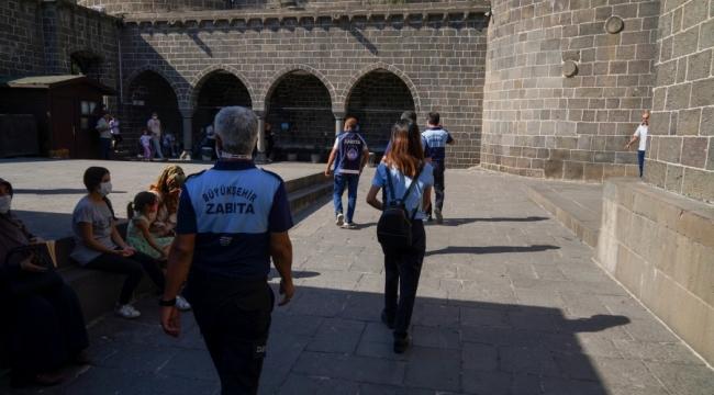 Çok dilli 'Turizm Zabıtası' ekibi hizmet vermeye devam ediyor