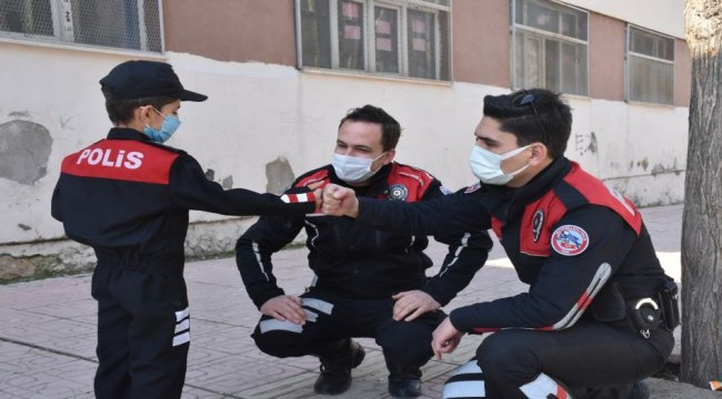 Siirt'te küçük Ali'nin polis sevgisi karşılıksız kalmadı