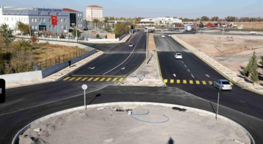 Aksaray'da kavşak düzenleme ve asfalt çalışmaları sürüyor