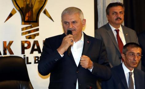 Başbakan Yıldırım Erzurum'da, AK Parti İl Başkanlığı'nı ziyaret etti
