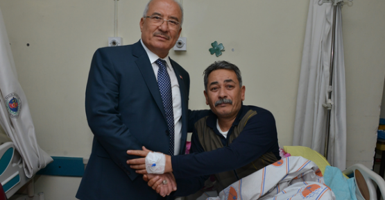 Başkan KOCAMAZ,  Hastalara'Bir Nefes Sıhhat' Ziyareti