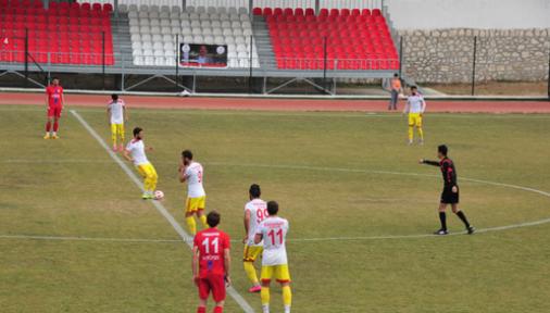 Karaman Belediye Spor sahadan 4-2  galibiyetle ayrıldı