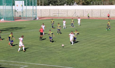 Karaman Belediyespor, 2-1 'lik skorla  bir üst tura geçti