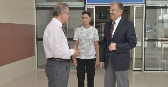 Karaman Valisi TAPSIZ'dan  Kmü'ye Ziyaret