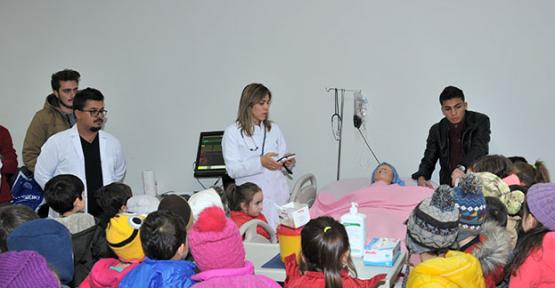 Karaman'da minikler Hemşirelik Bölümü  gezdi