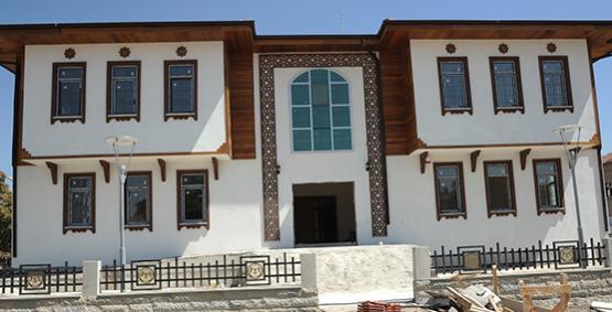 Konya' da Şehir Konağı yapımları  devam ediyor