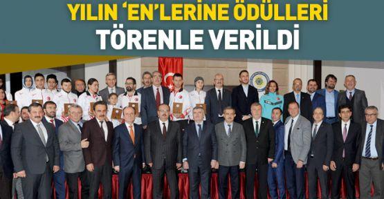 Konya'da Yılın Enleri Ödüllerini aldı