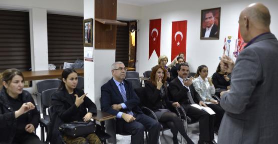 Mersin'de Büyükşehir Personeline İşaret Dili Kursu Verildi