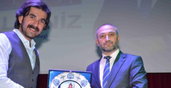 Serdar Tuncer'le  Şiir Dinletisi Aksaray' da ilgiyle izlendi