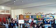 Köy okuluna kırtasiye yardımı yapıldı