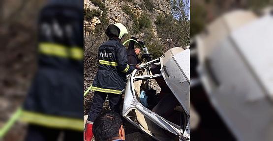 Otomobil 150 metrelik uçuruma yuvarlandı: 1 ölü