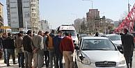 Seyyar satıcıya otomobil çarptı: 1 yaralı