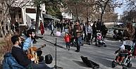 Sokak müzisyenleri Eskişehirde özgürlük istiyor