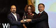 Altın Portakallı yönetmen Oscarı kazandı