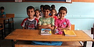 Suriyeli Binlerce Çocuk Türkiyede Eğitim Alıyor