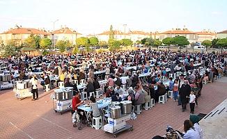 İFTAR SOFRASI BEYAZKENT MAHALLESİ'NE KURULDU