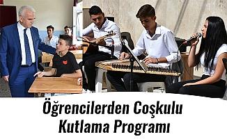 Öğrencilerden Coşkulu Kutlama Programı