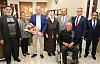 Huzurevi Sakinleri Başkan Çalışkan' ı Ziyaret Etti