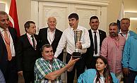 ASAT Spor Takımı, Başkan Türel'i ziyaret etti