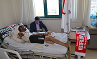 Başkan Türel, taraftar Şükrü Önal'ı ziyaret etti.