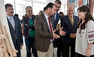 KMÜ'de yılsonu sergisi açıldı