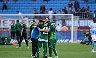 Bursaspor  2-1 kazanarak ligde kaldı
