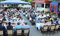 Şehit aileleri ve gaziler onuruna verilen akşam yemeğine katıldı
